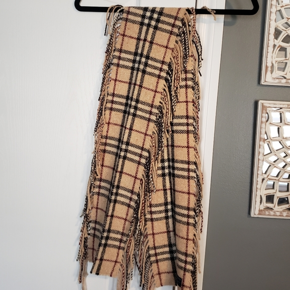 Authentic Burberry Knit Scarf